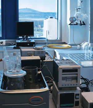 In our laboratories we test metals for pitting, corrosion, stressing and other potential failure risks.